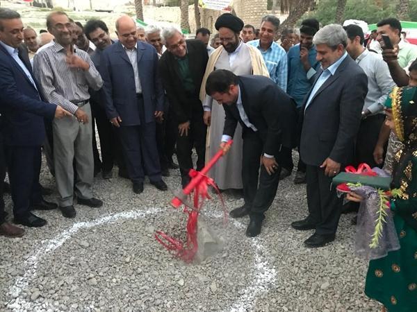 کلنگ احداث بازارچه صنایع دستی شهر فین در استان هرمزگان به زمین زده شد