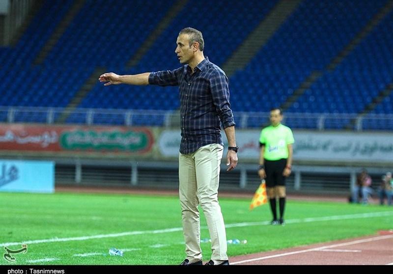 یحیی گل محمدی: ذوب آهن یکی از تیم هایی است که بیشترین سود را از اشتباهات داوری برده، به دنبال جار و جنجال نیستیم